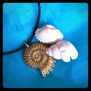 Golden Conch necklace